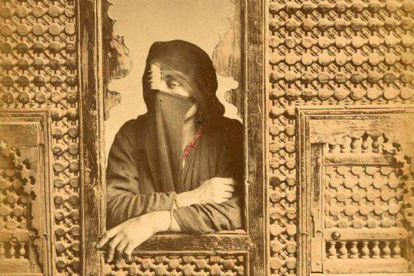 Al-Khayzurān, d'esclave à reine