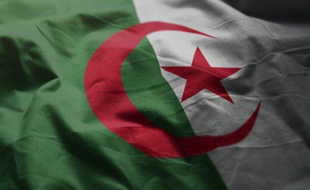 Du récit du drapeau de l'Algérie